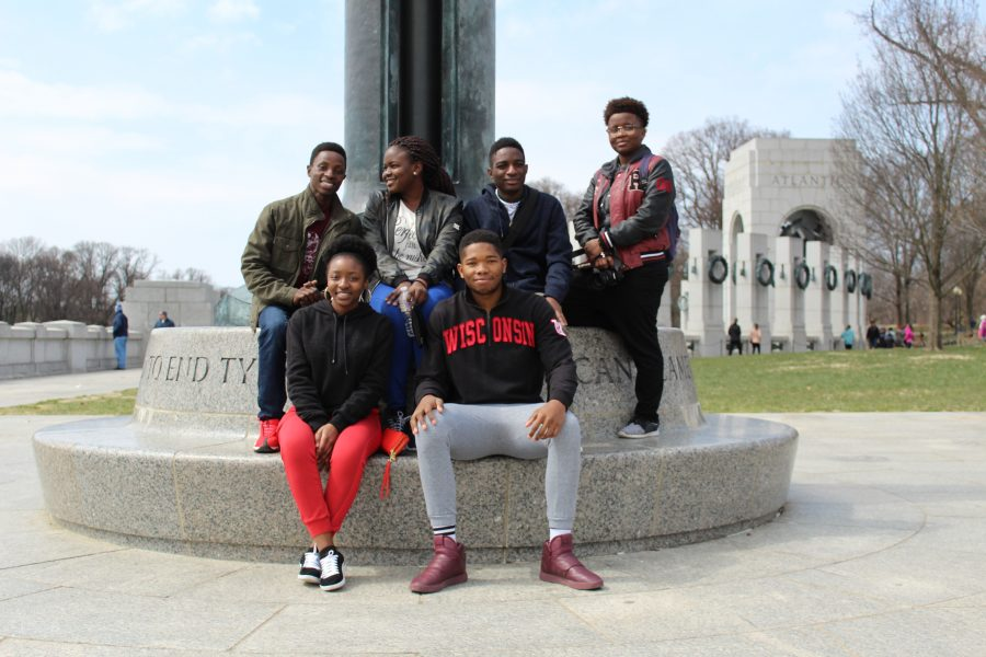 Group of K-M Scholars pose newar monument in D.C.